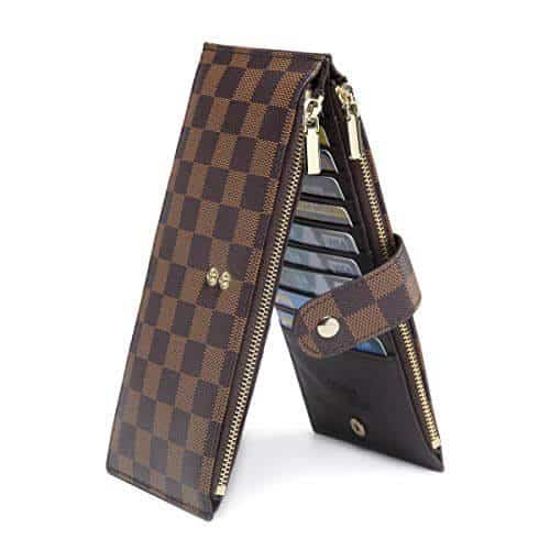 Who loves a good look alike Louis Vuitton wallet? Find the best Louis Vuitton Key Pouch dupe out here in many colors. They call it the Louis Vuitton coin pouch dupe but I believe more than coins can be placed in it. louis vuitton dupe wallet, Louis Vuitton wallet dupe,  Use the clamp to secure your Louis Vuitton key pouch dupes so that you don't lose your important stuff.