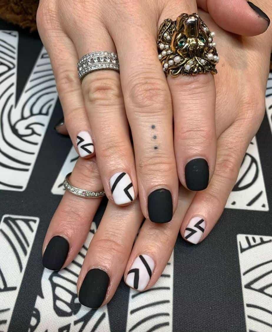 black and white nails matte