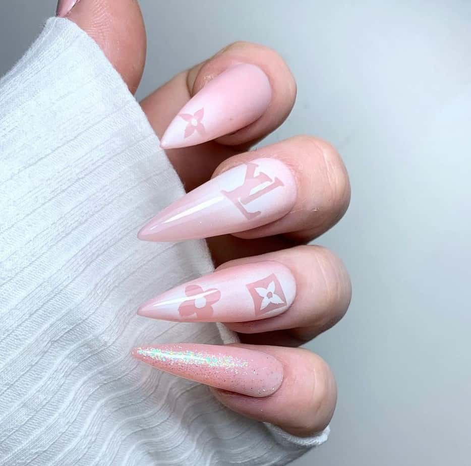 lv nail design or nails